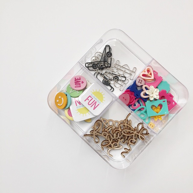 Loving these small, clear organizing containers from the target dollar spot. I think I need a few more! @shopfreckledfawn #ohdeerme #embellishments #scrapbooking #freckledfawn